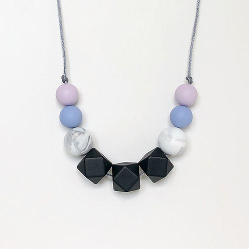 Olivia Teething Necklace in Black and Lilac