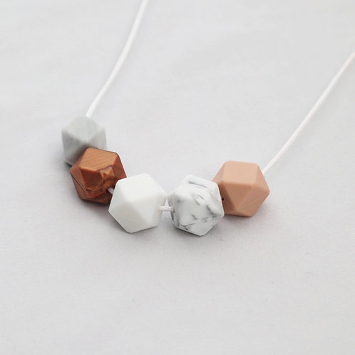 Iris Teething Necklace in Rose Gold and White