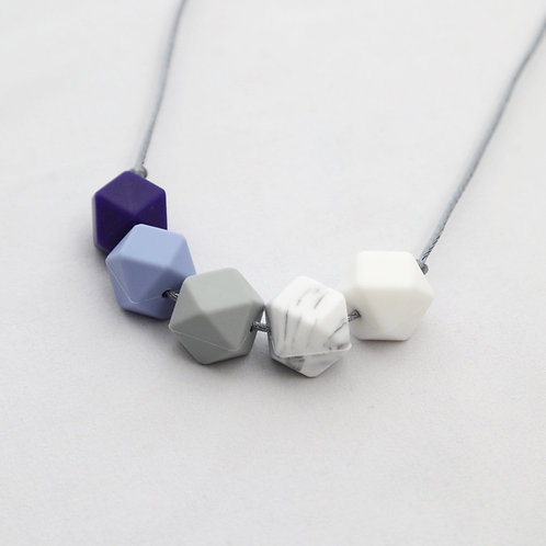 Iris Teething Necklace in Blue
