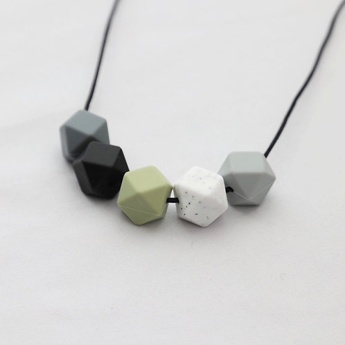 Iris Teething Necklace in Lint Green and Grey