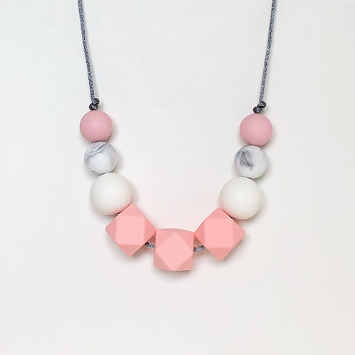 Olivia Teething Necklace in Pink