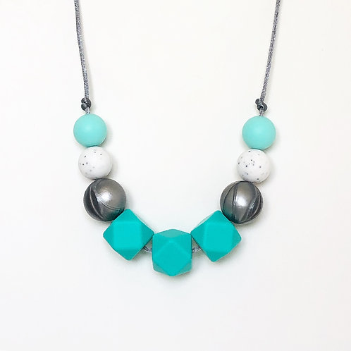 Olivia Teething Necklace in Turquoise