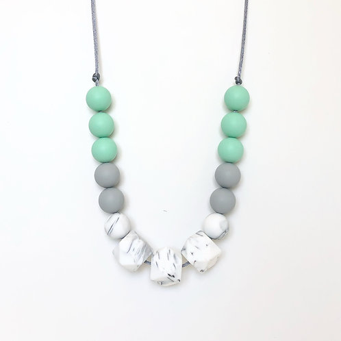 Isla Teething Necklace - Mint