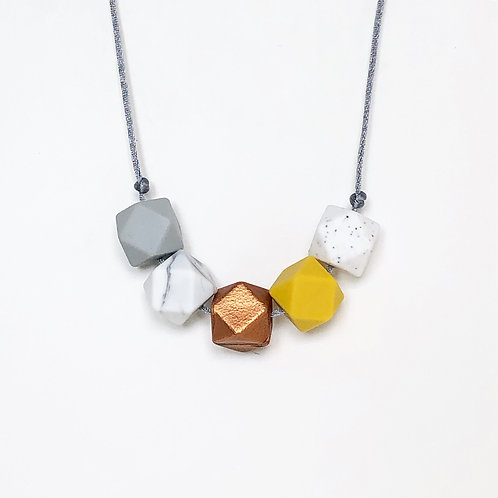 Iris Teething Necklace in Copper and Mustard