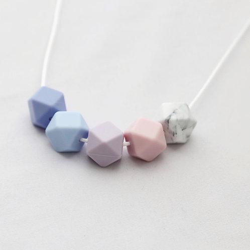 Iris Teething Necklace in Blue and Pink
