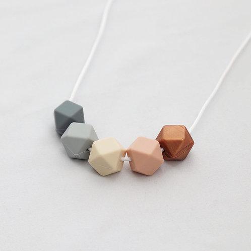Iris Teething Necklace in Blush