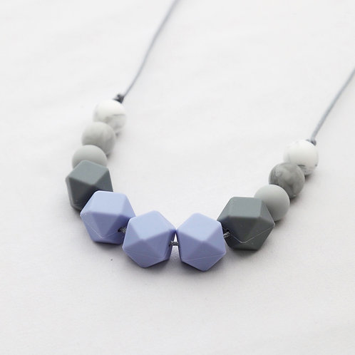 Grace Teething Necklace in Blue
