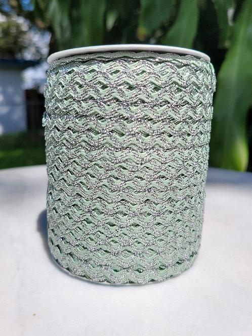 Mint w/Metallic Silver - 109 yards