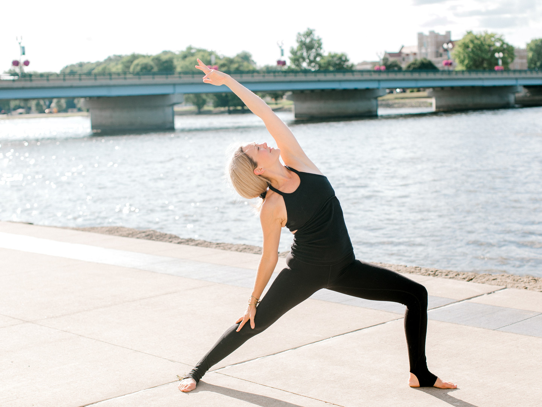 RachaelOsborn.com-clemintine-yoga-77.jpg
