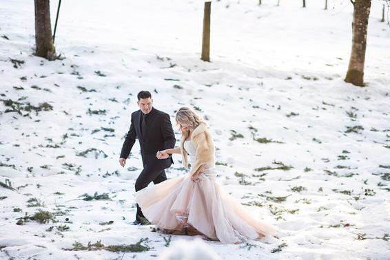 Jessica and Kenny. Snowy Wedding Shoot
