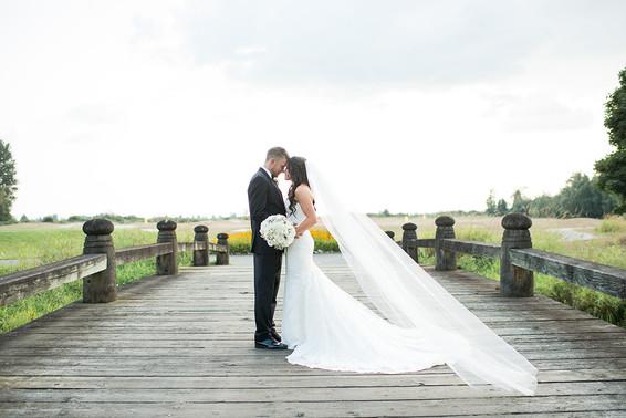 Kassandra and Joshua. Swaneset Wedding
