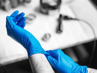 Todo lo que necesitas saber de los guantes de nitrilo