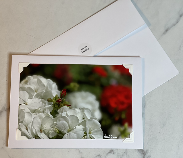 Greeting Card - White flowers with tiny roses