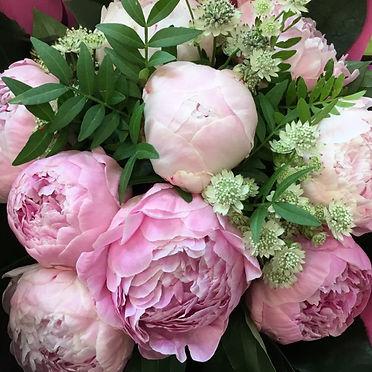bouquet rond de pivoines.jpg