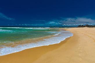 Sandy beach at Currimundi Lake, Caloundr