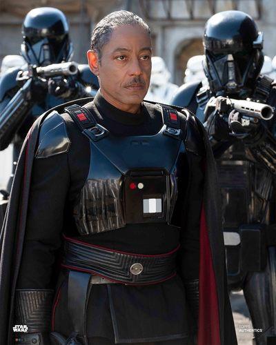 Star Wars The Mandalorian Apakah Moff Gideon Seorang Inquisitor