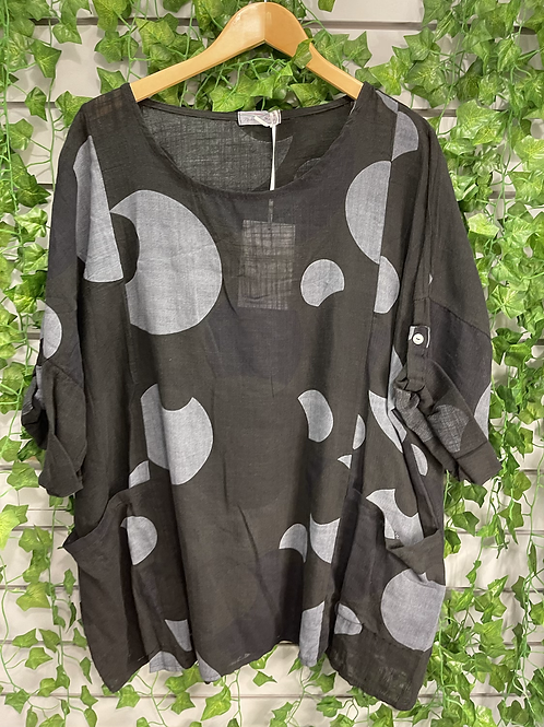 Black and grey cicle top