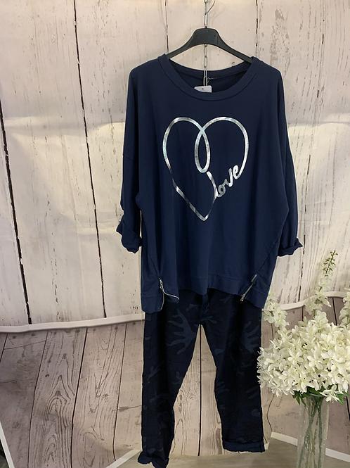 Love heart zip top