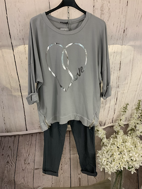 Love heart zip top
