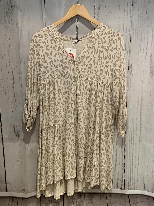 Leopard print floaty shirt.