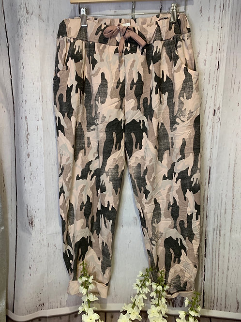 Plus size Camo trousers