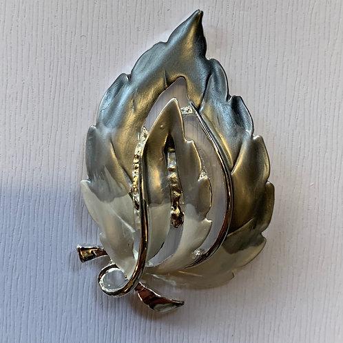 magnetic brooch  silver & grey  leaf