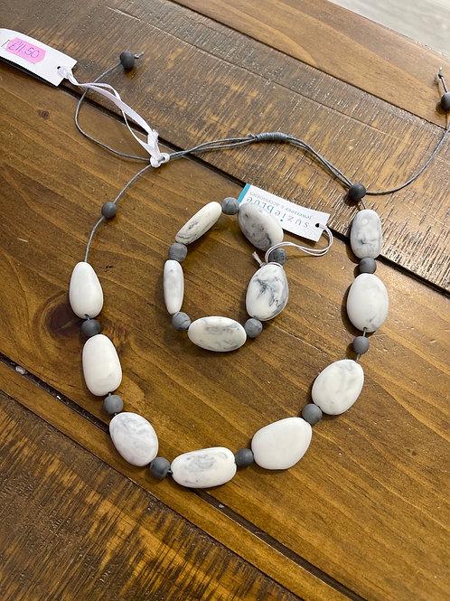 Grey marble pebble braclet