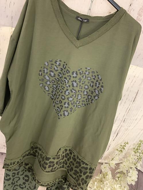 Leopard heart top