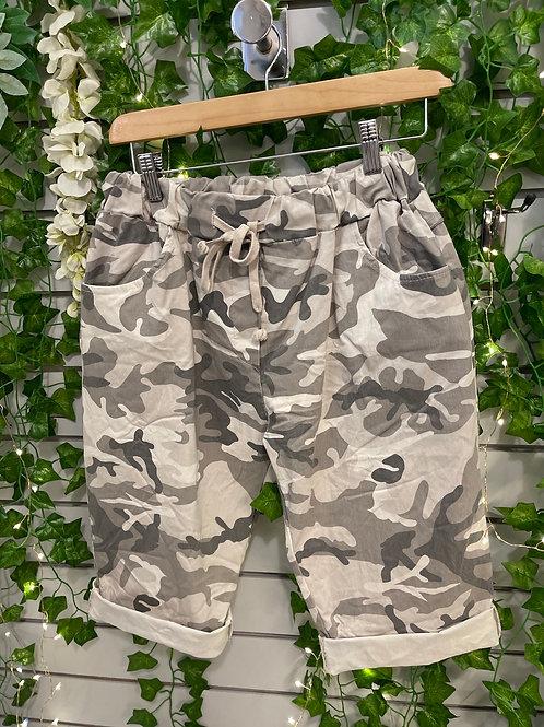 Camouflage Magic short plus size