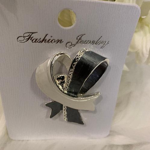 Grey ribbon magnetic brooch