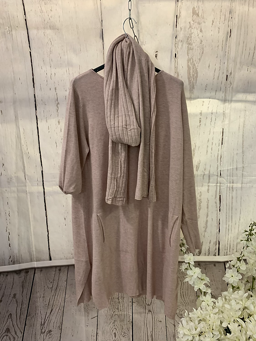 Light weight jumper with scarf