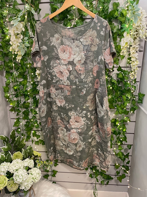 Pocket flower dress