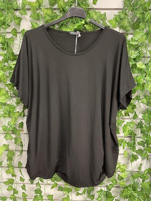 Black basic t shirt