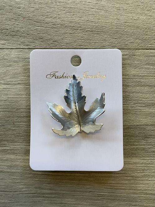 Magnetic leaf brooch