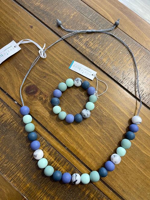 Blue beads braclet