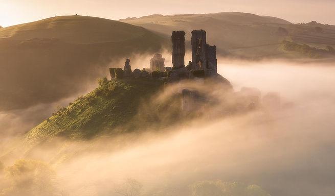 Corfe castle - Felix Sproll.jpg