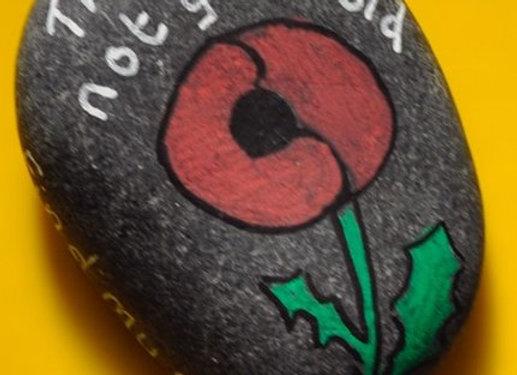 Hand-painted stone - poppy