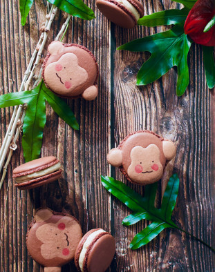 Peanut Butter Chocolate Monkey Macarons