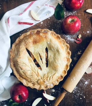 Double Crust Apple Pie without Decoration