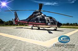Helicópetro AS-365 no heliponto da Chopp