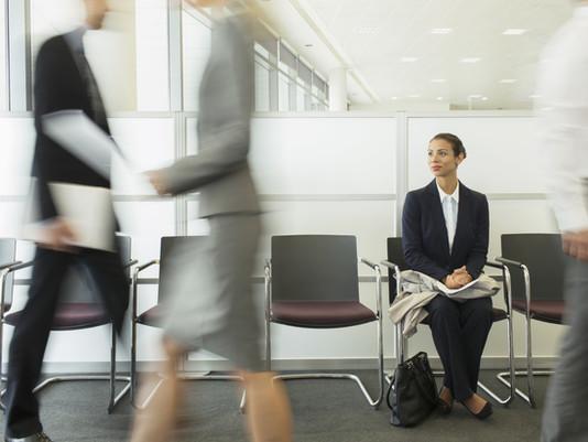 ¿Te sabes comportar en tu trabajo? Sino sabes cómo. Aqui te van 30 reglas para hacerlo