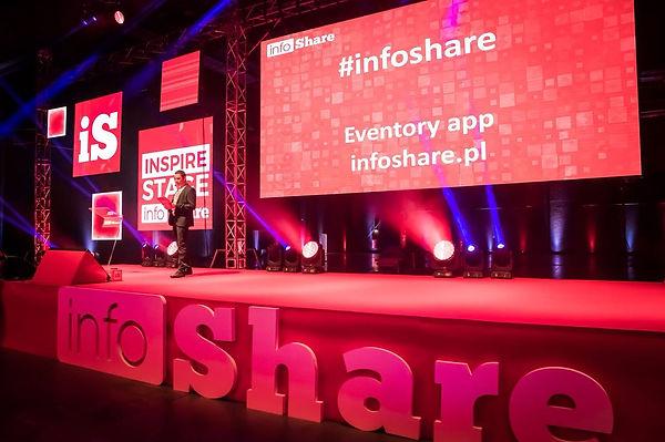 infoshare_podium.jpeg