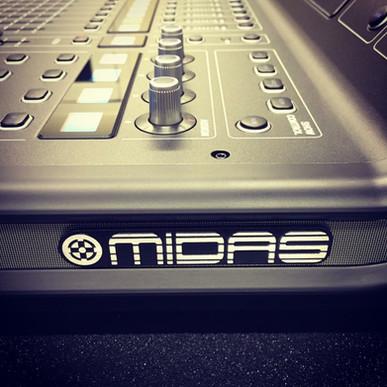 Midas M32 Digital Mixing Console