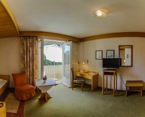 Zimmer 105.2.jpg