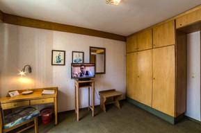 Zimmer 105.3.jpg