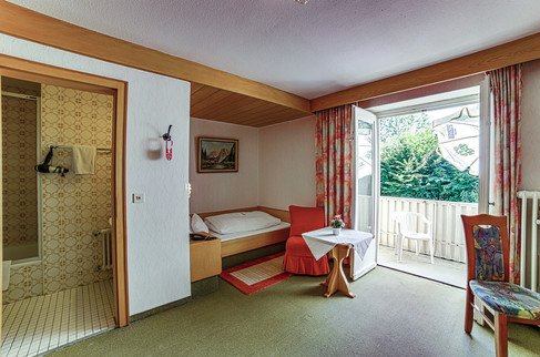 Zimmer 105.1.jpg