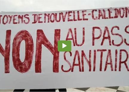 Action Banderole Calédonie - Pour la liberté vaccinale et pour la liberté de se soigner