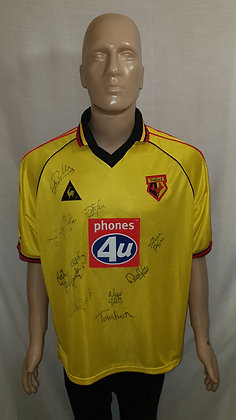 """1999/00-2000/01 Watford Home Shirt: Size 42/44"""" 107/112cms (Signed)"""