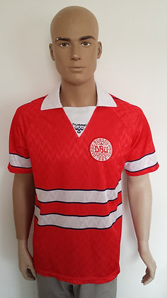1988-1989 Denmark Home Shirt: Size M
