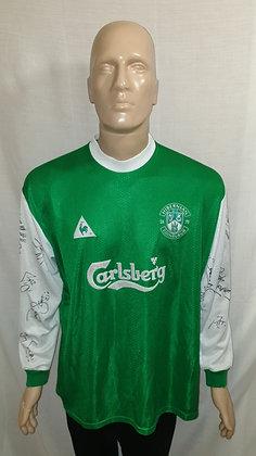 "2000/01-2001/02 Hibernian Long Sleeved Home Shirt: Size 50/52"" 127/132cms Signed"